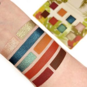 Other - Alamar Eyeshadow Palette